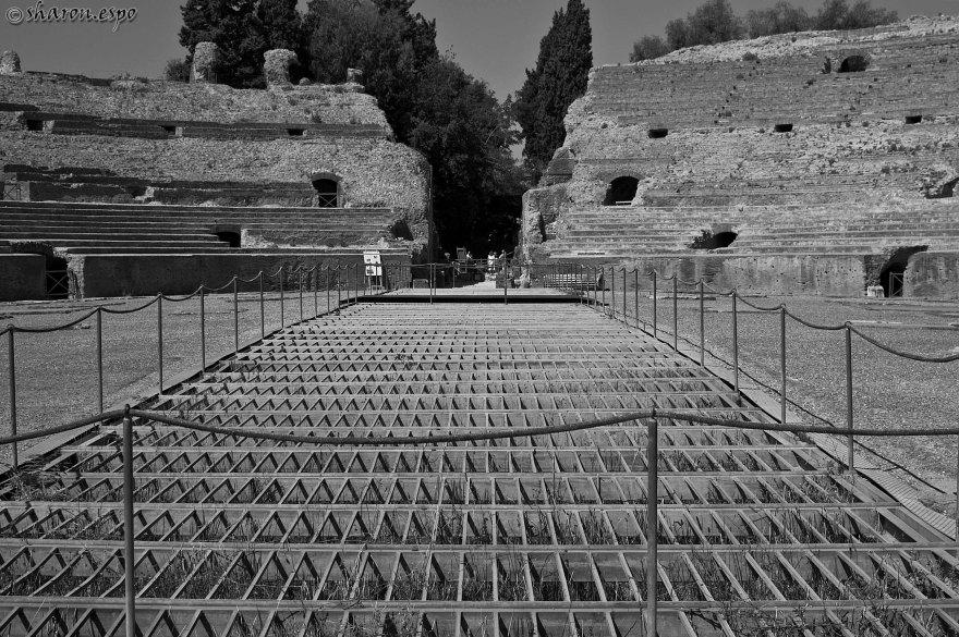 Anfiteatro Flavio Pozzuoli Sharon Espo Photo